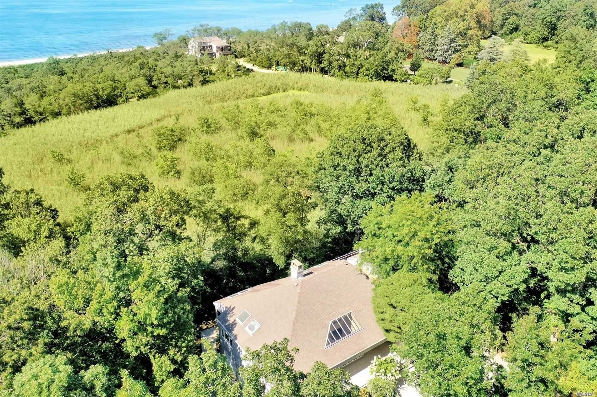 28. Single Family Homes for Sale at Old Field, NY 11733