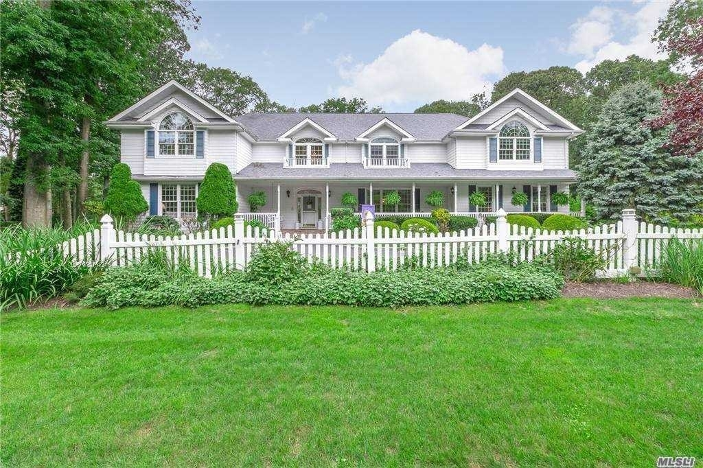2. Single Family Homes for Sale at Nissequogue, NY 11780