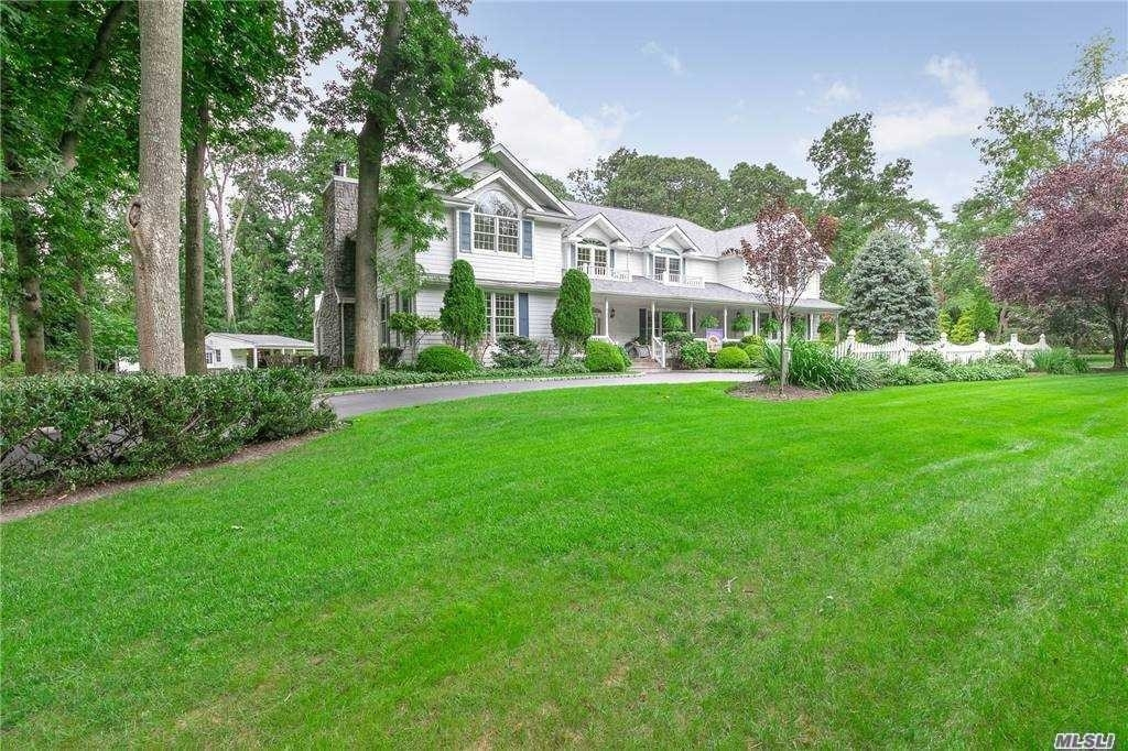34. Single Family Homes for Sale at Nissequogue, NY 11780