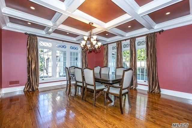 4. Single Family Homes for Sale at Old Westbury, NY 11568