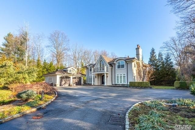 8. Single Family Homes for Sale at Old Westbury, NY 11568