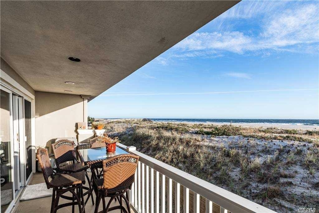 Property en 1051 Oceanfront , 6 West End, Long Beach, NY 11561