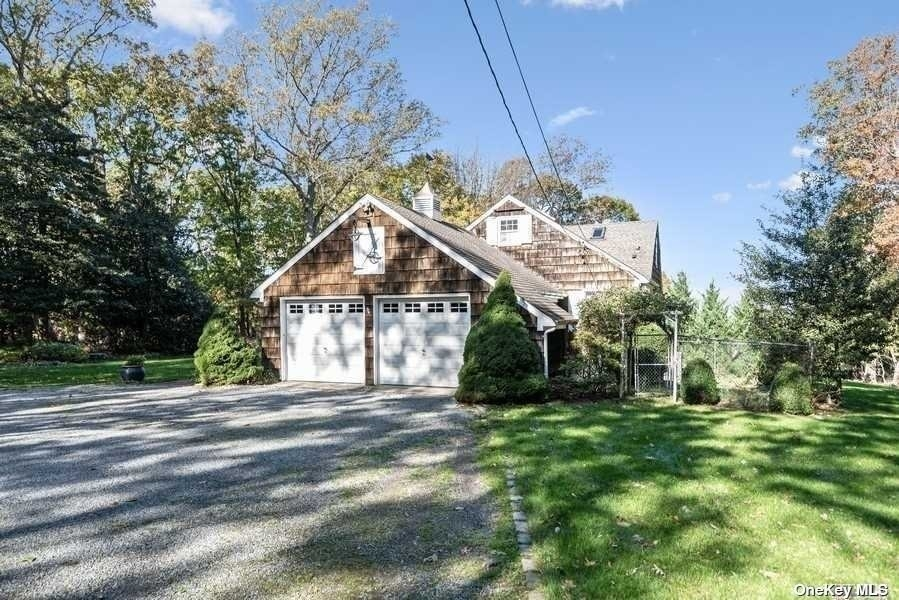 32. Single Family Homes for Sale at Old Field, NY 11733