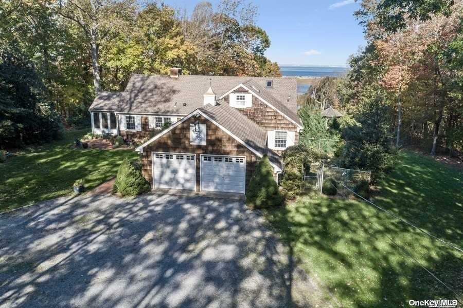 31. Single Family Homes for Sale at Old Field, NY 11733