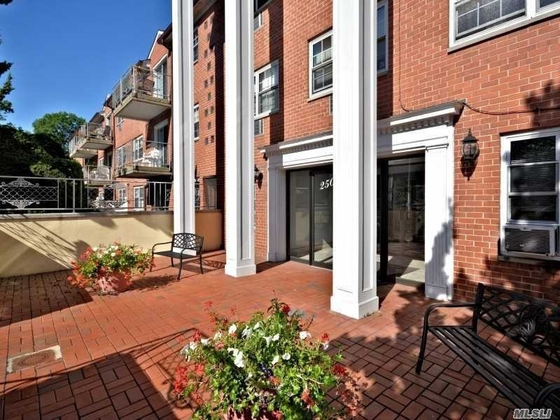 Rentals at 250 N Village Avenue, 24 A Rockville Centre, NY 11570