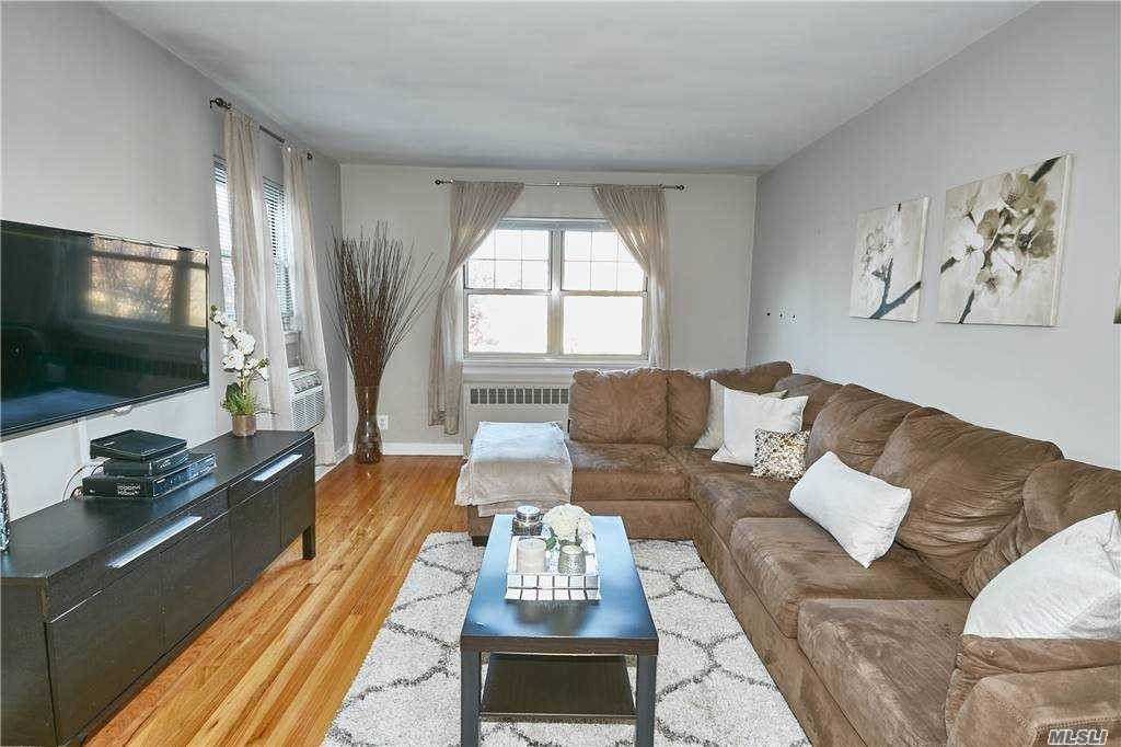 2. Co-op Properties для того Продажа на Marion Park, Rockville Centre, NY 11570