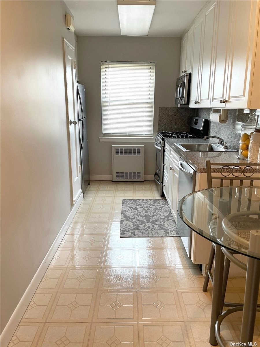 7. Co-op Properties для того Продажа на Marion Park, Rockville Centre, NY 11570