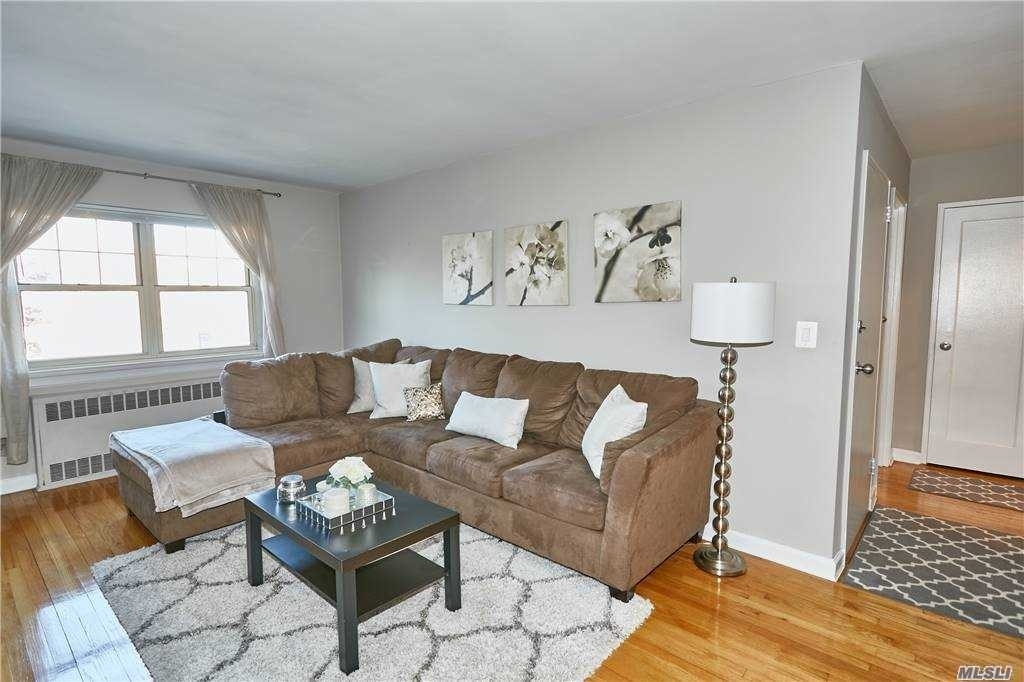 4. Co-op Properties для того Продажа на Marion Park, Rockville Centre, NY 11570