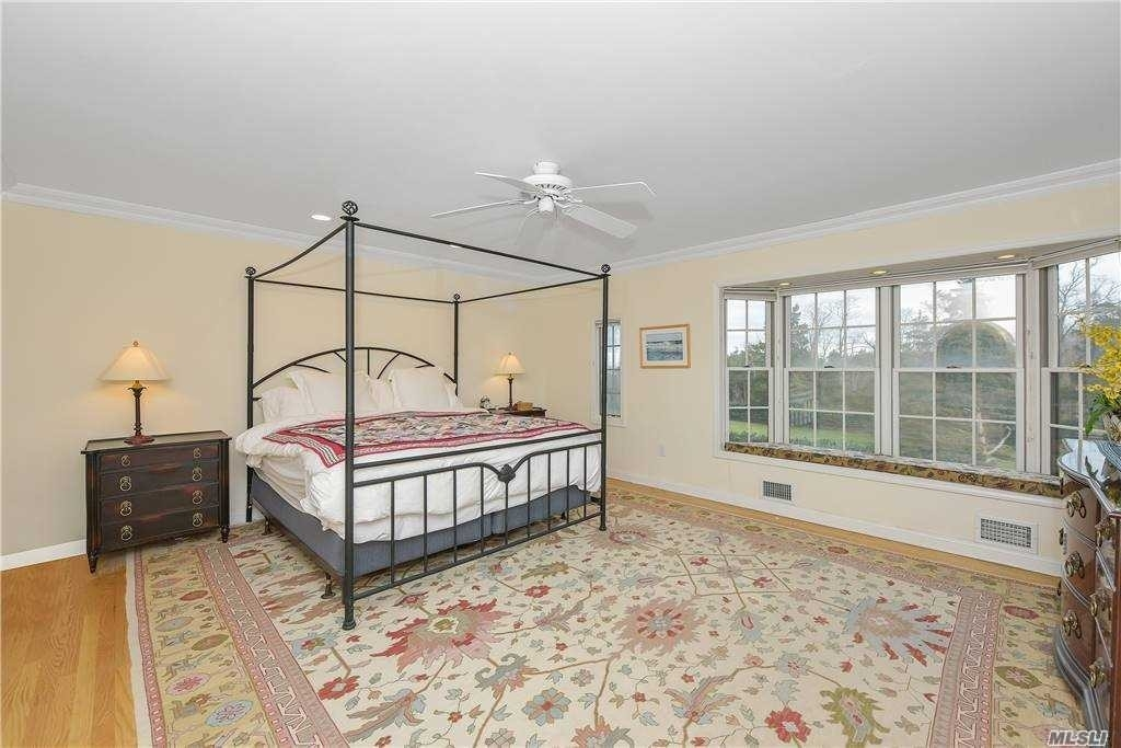 23. Single Family Homes for Sale at Old Field, NY 11733