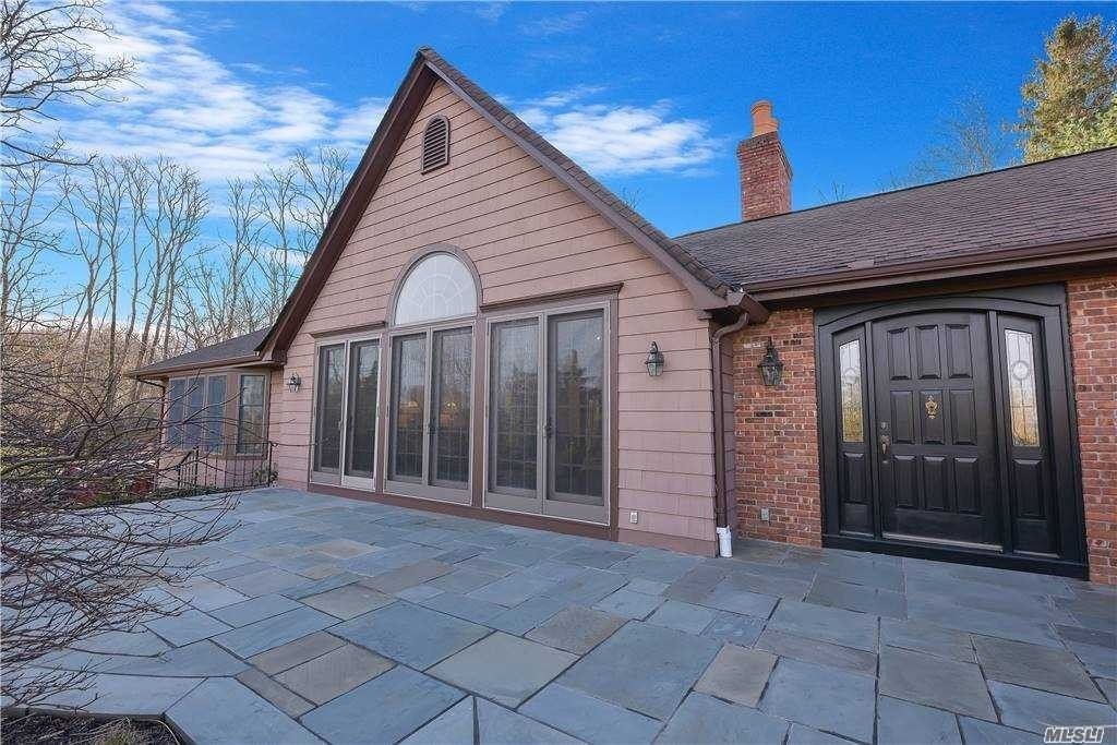 7. Single Family Homes for Sale at Old Field, NY 11733