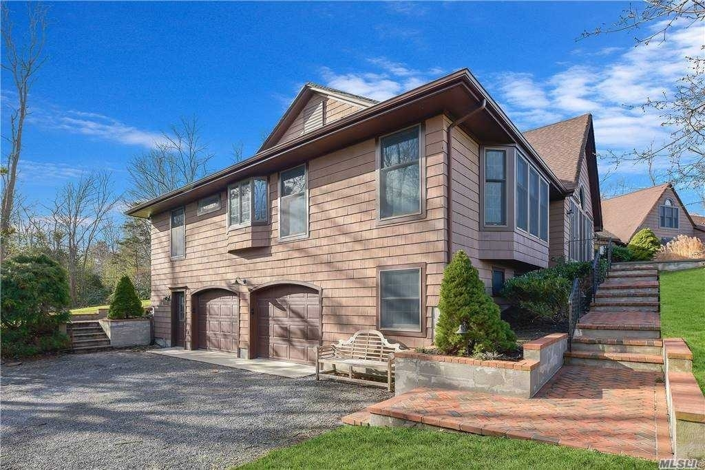 8. Single Family Homes for Sale at Old Field, NY 11733