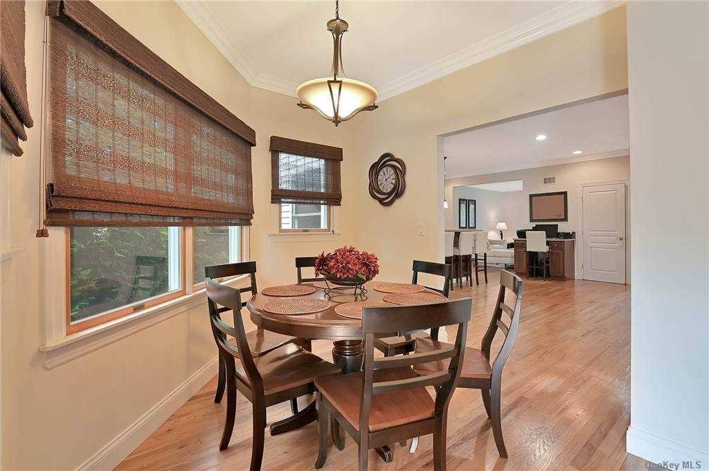 9. Single Family Homes for Sale at St. James, NY 11780