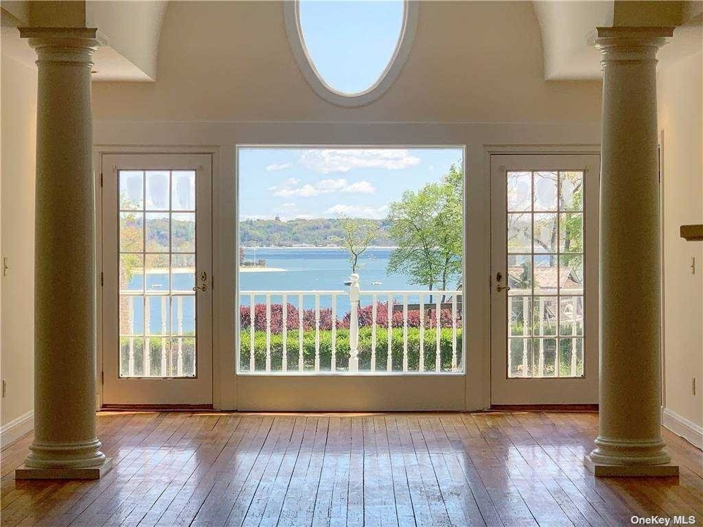 4. Single Family Homes for Sale at Centre Island, NY 11771