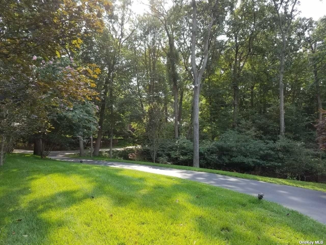 25. Single Family Homes for Sale at Nissequogue, NY 11780