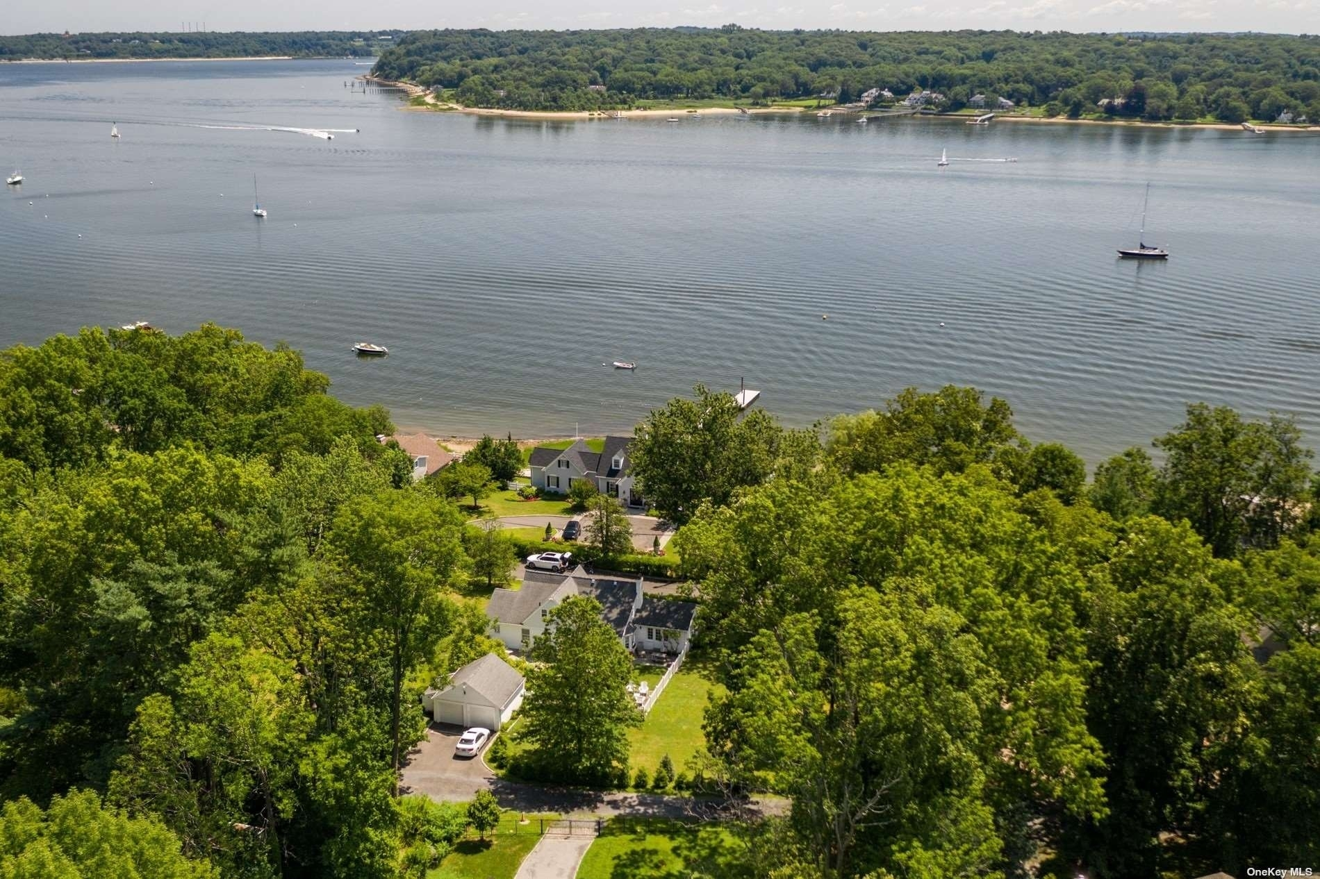 8. Single Family Homes for Sale at Centre Island, NY 11771
