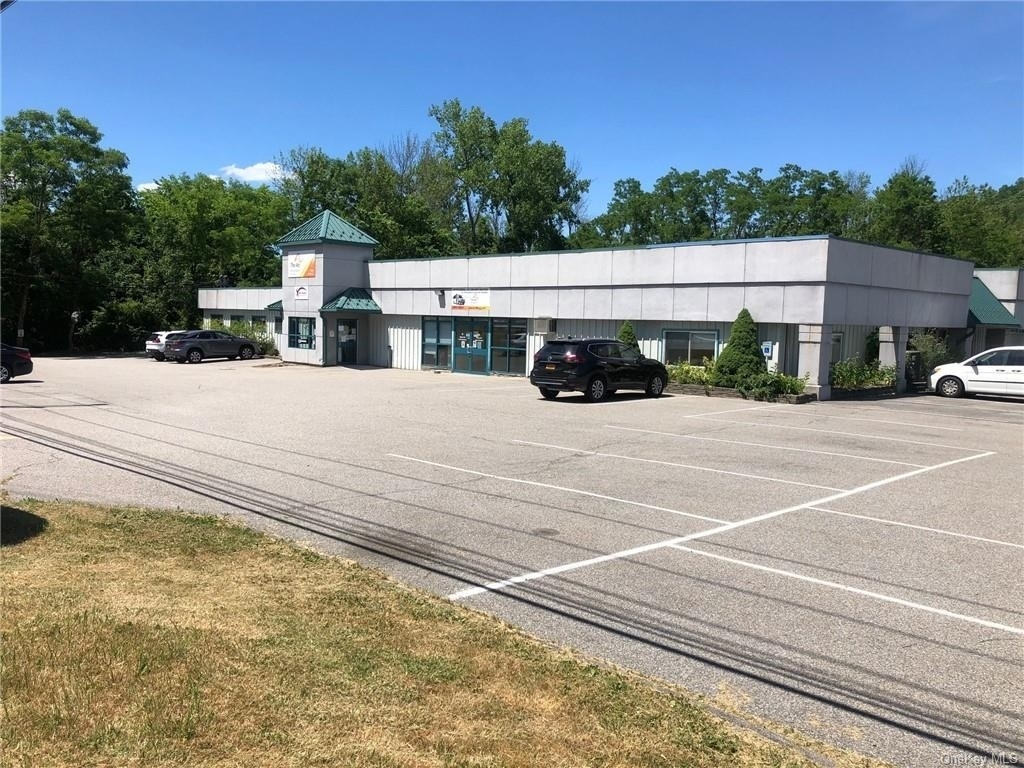 Retail Leases for Sale at Carmel, NY 10512