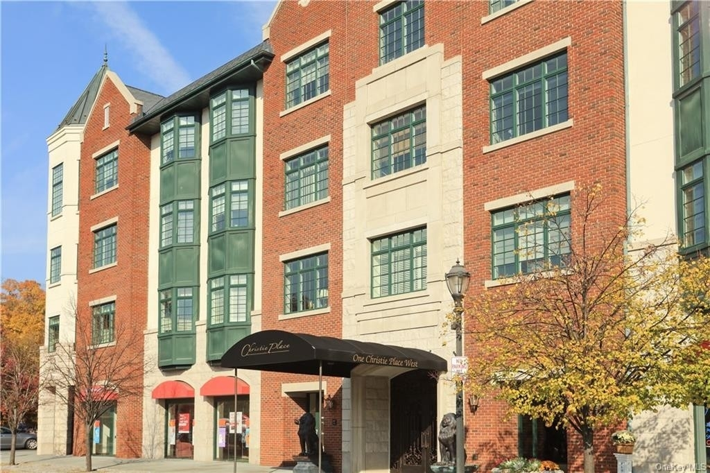 Condominium 在 1 Christie Place, 403W Old Scarsdale, Scarsdale, NY 10583