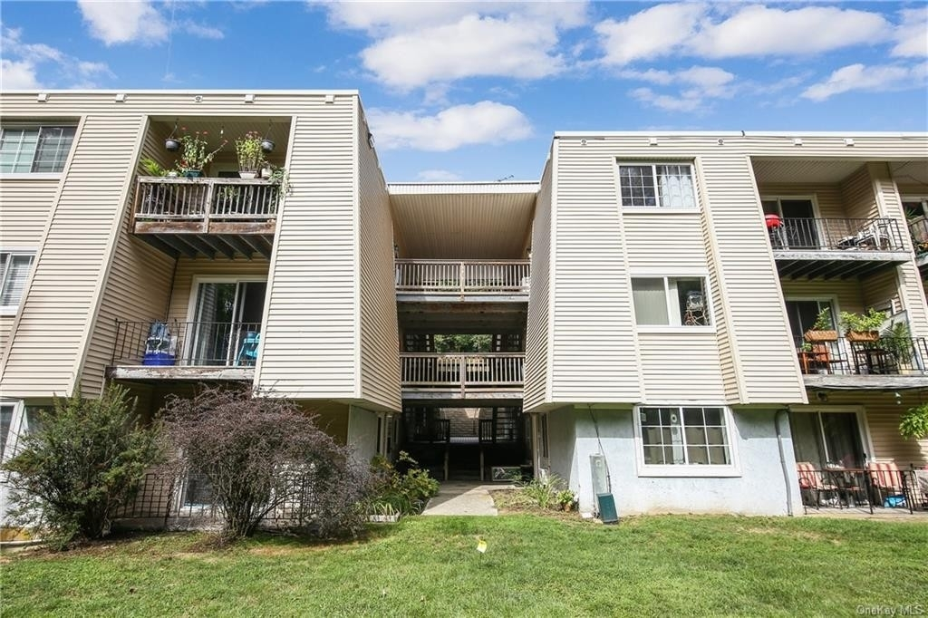 13. Condominiums for Sale at Carmel, NY 10512