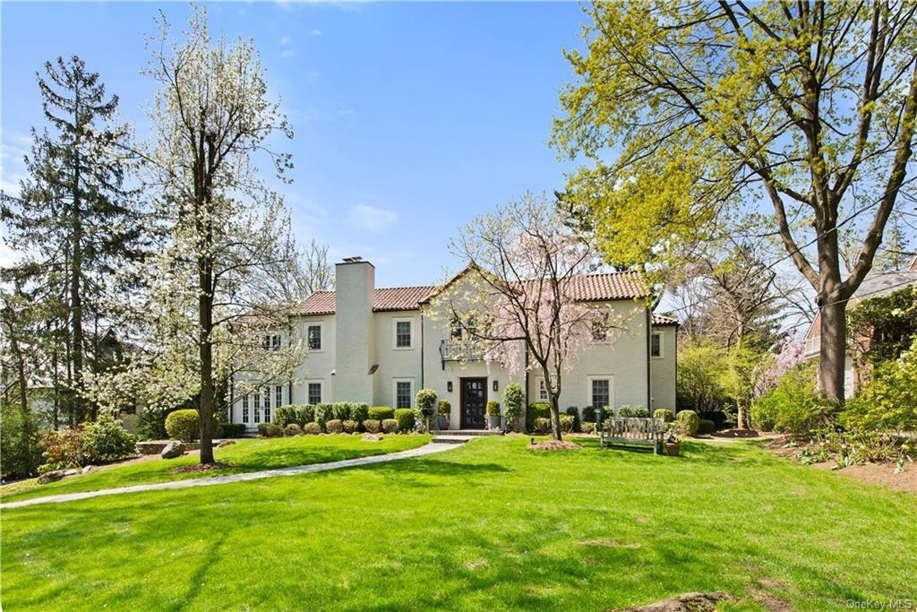 Property en Fox Meadow, Scarsdale, NY 10583