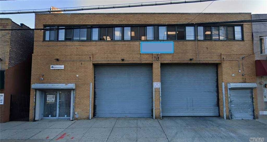 Property à 114-16 Rockaway Boulevard, 1 South Ozone Park, Queens, NY 11420