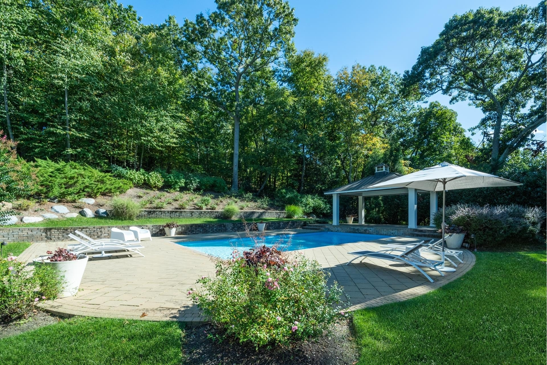 37. Single Family Homes for Sale at Fort Salonga, Northport, NY 11768