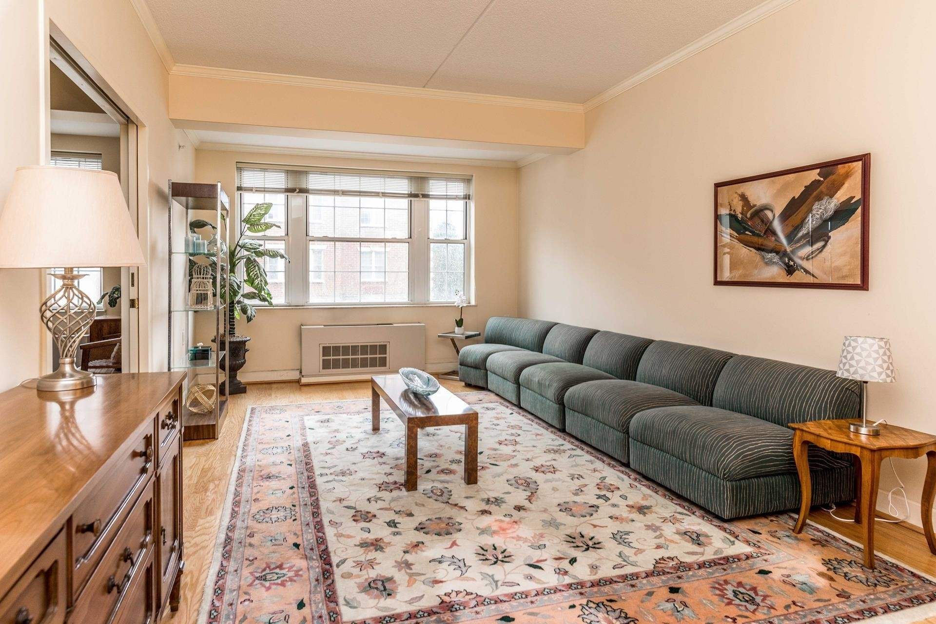 Condominium в 50 Merrick Avenue, 214 East Meadow