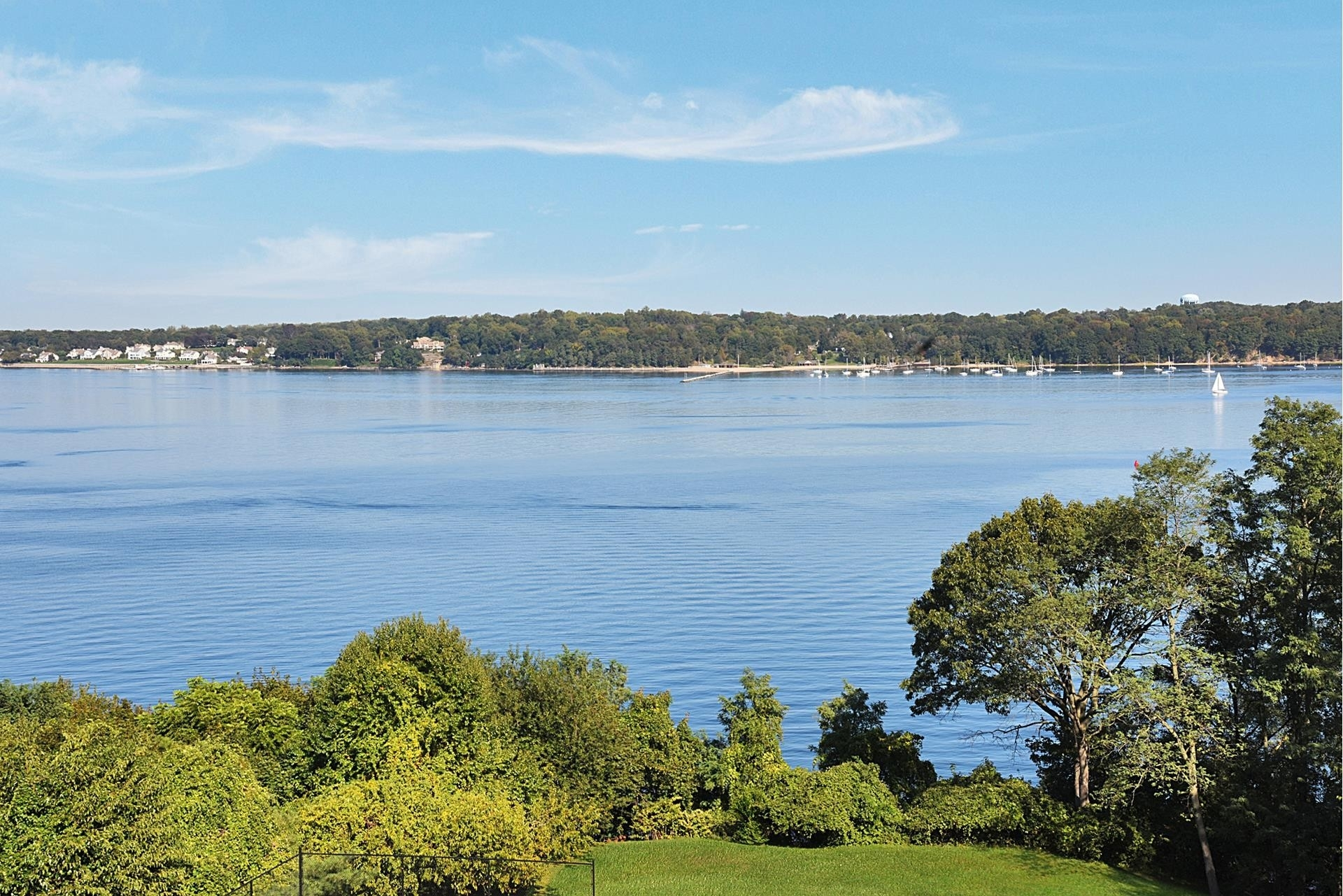 33. Single Family Homes for Sale at Sands Point, NY 11050