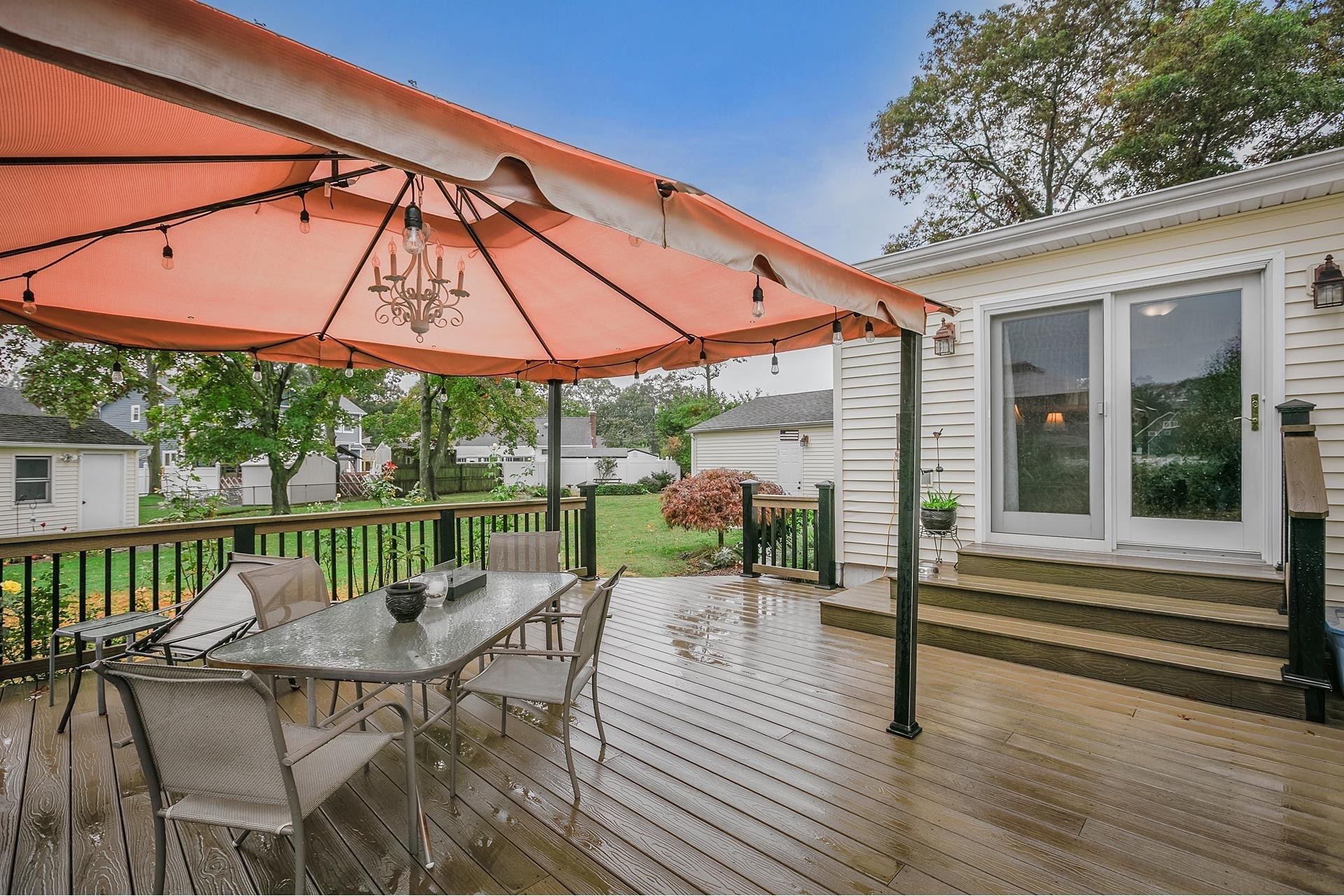 20. Single Family Homes por un Venta en West Islip, NY 11795