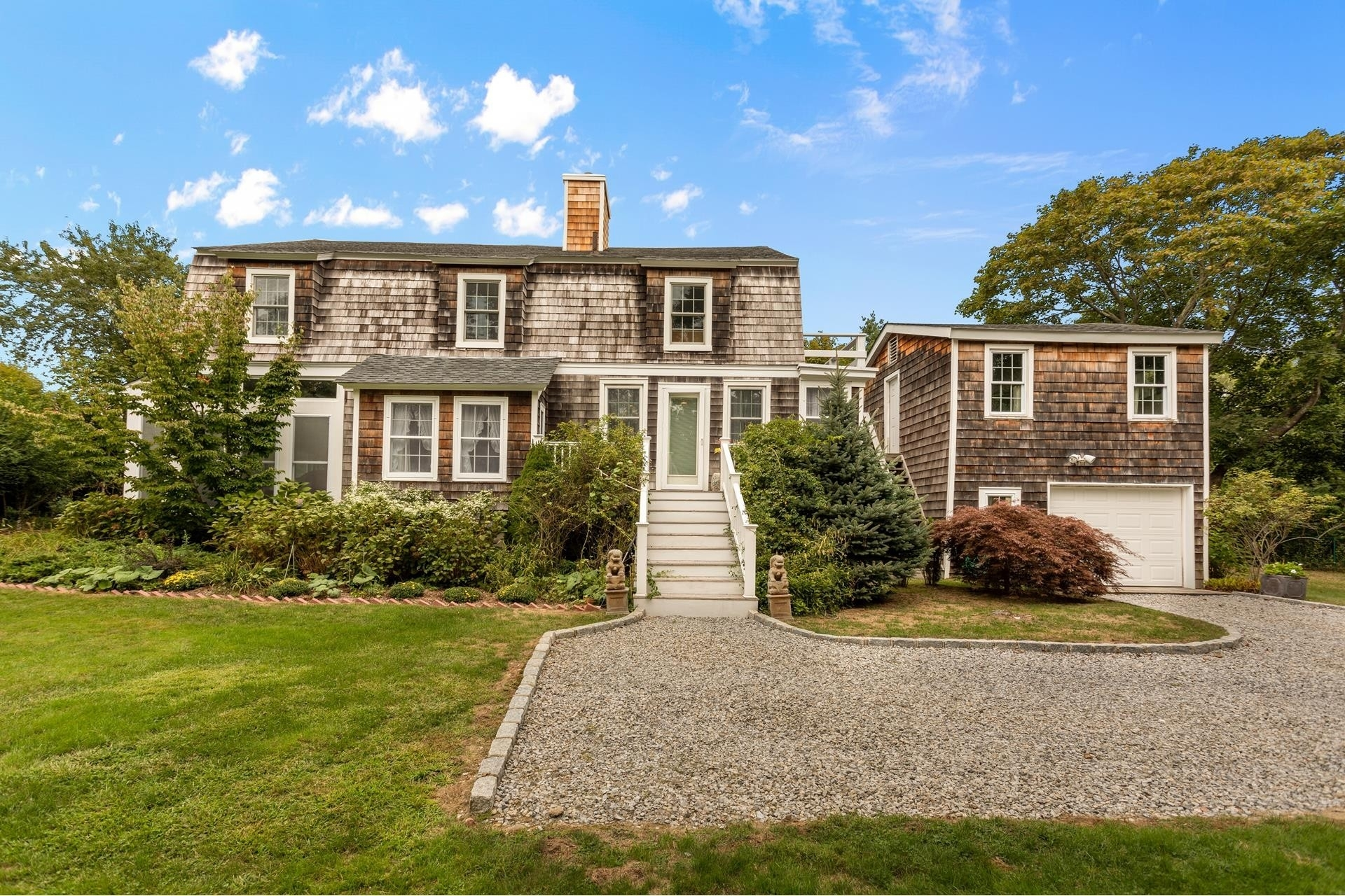 27. Single Family Homes for Sale at Shinnecock Hills, Southampton, NY 11968