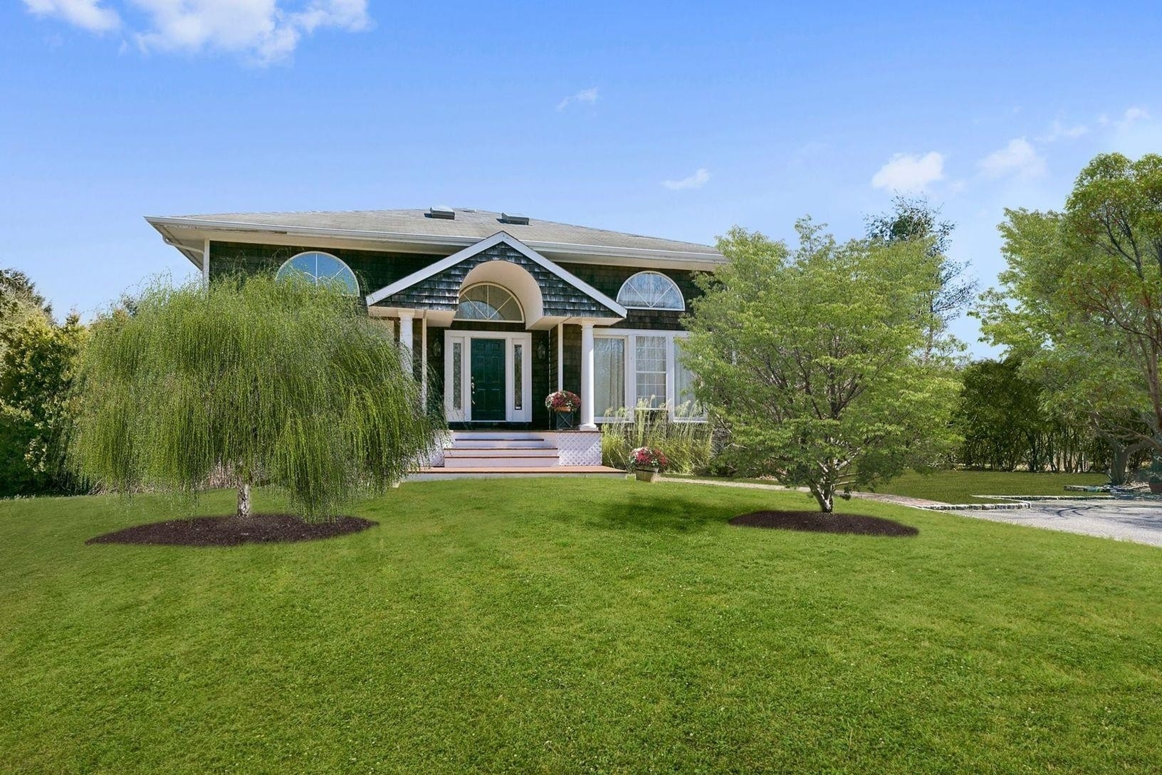 Single Family Home for Sale at Tuckahoe, Southampton, NY 11968