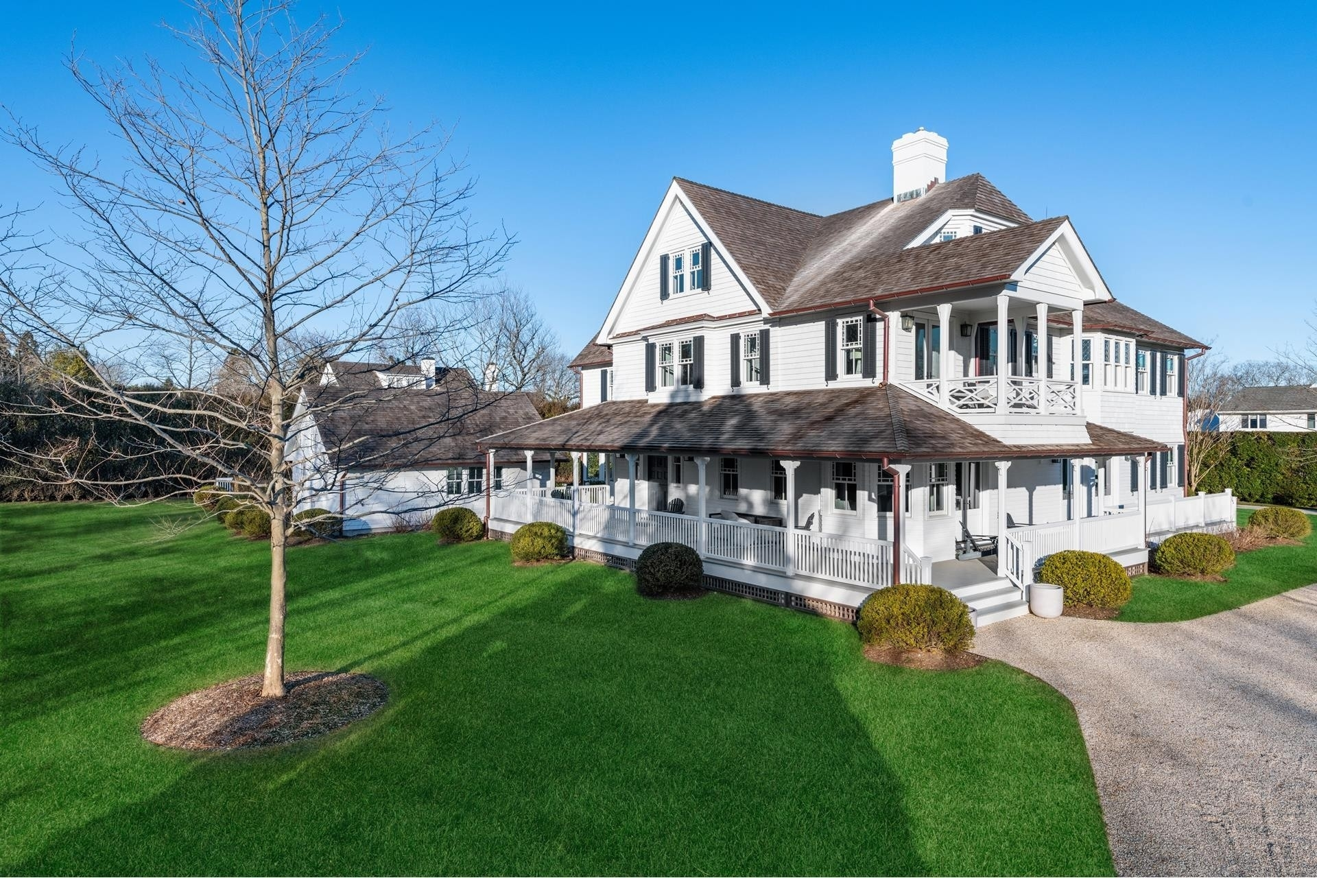 5. Single Family Homes for Sale at Southampton Village, Southampton, NY 11968