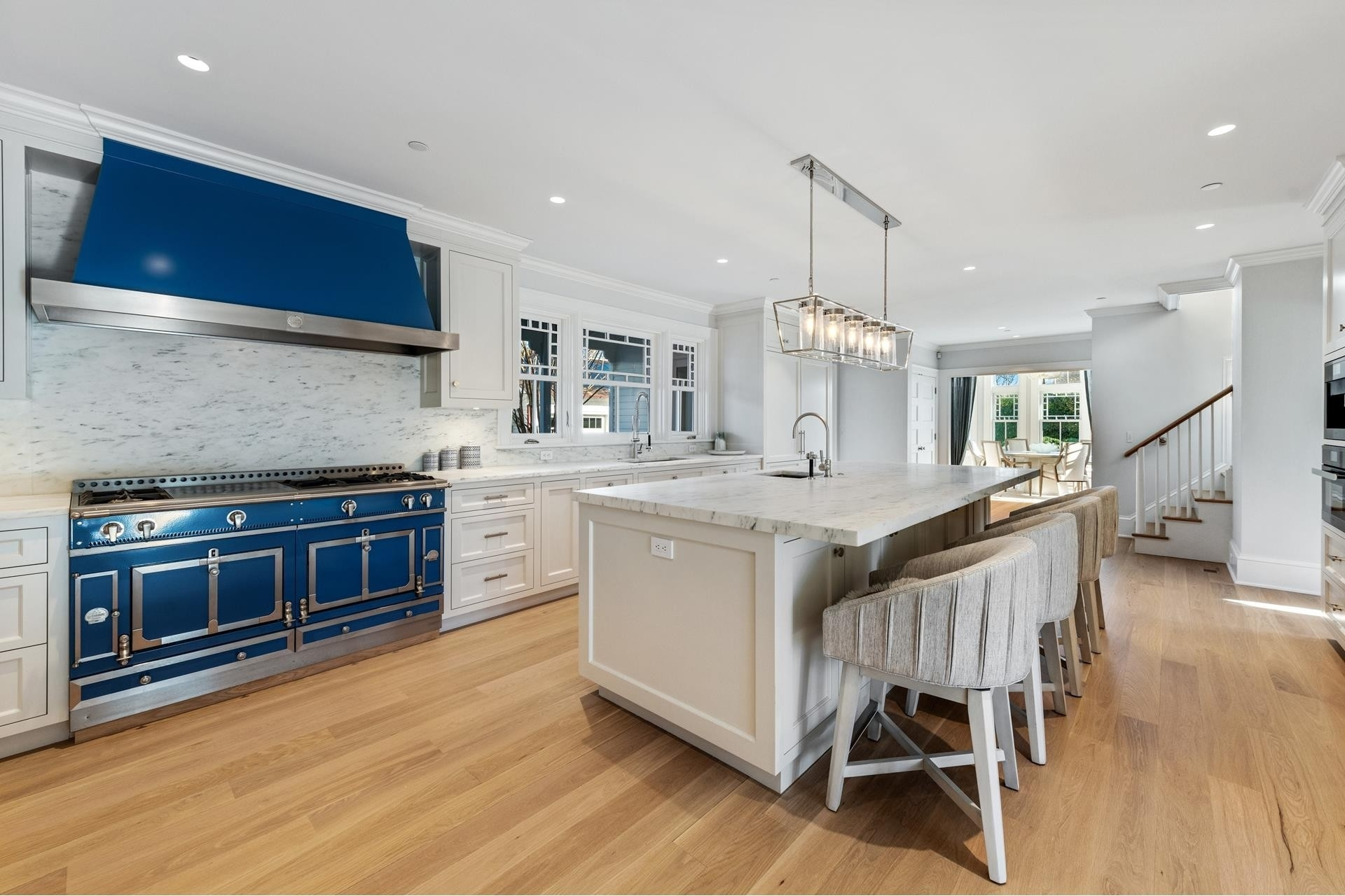 19. Single Family Homes for Sale at Southampton Village, Southampton, NY 11968