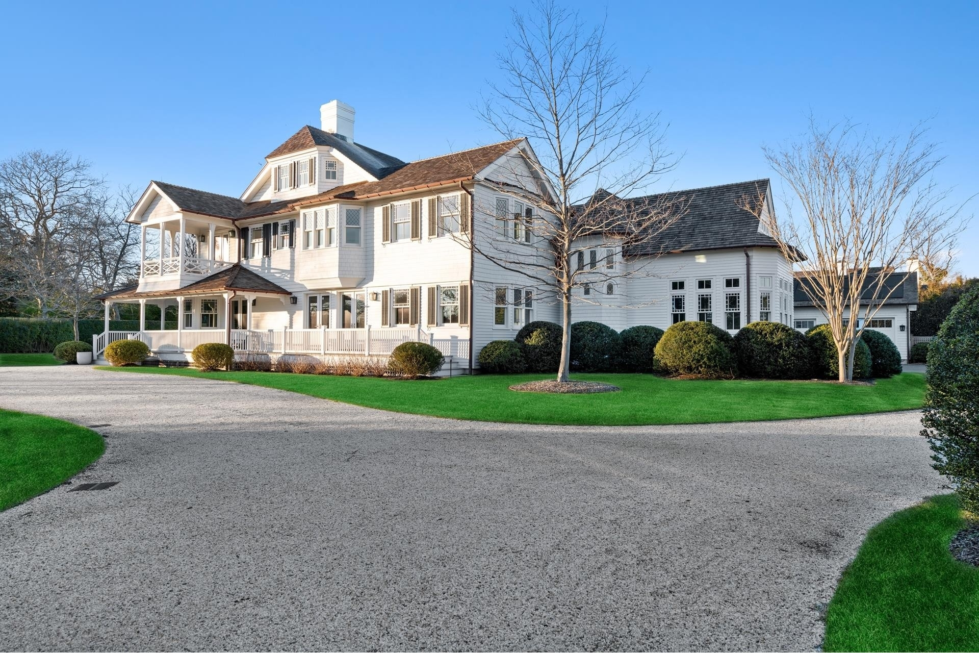3. Single Family Homes for Sale at Southampton Village, Southampton, NY 11968