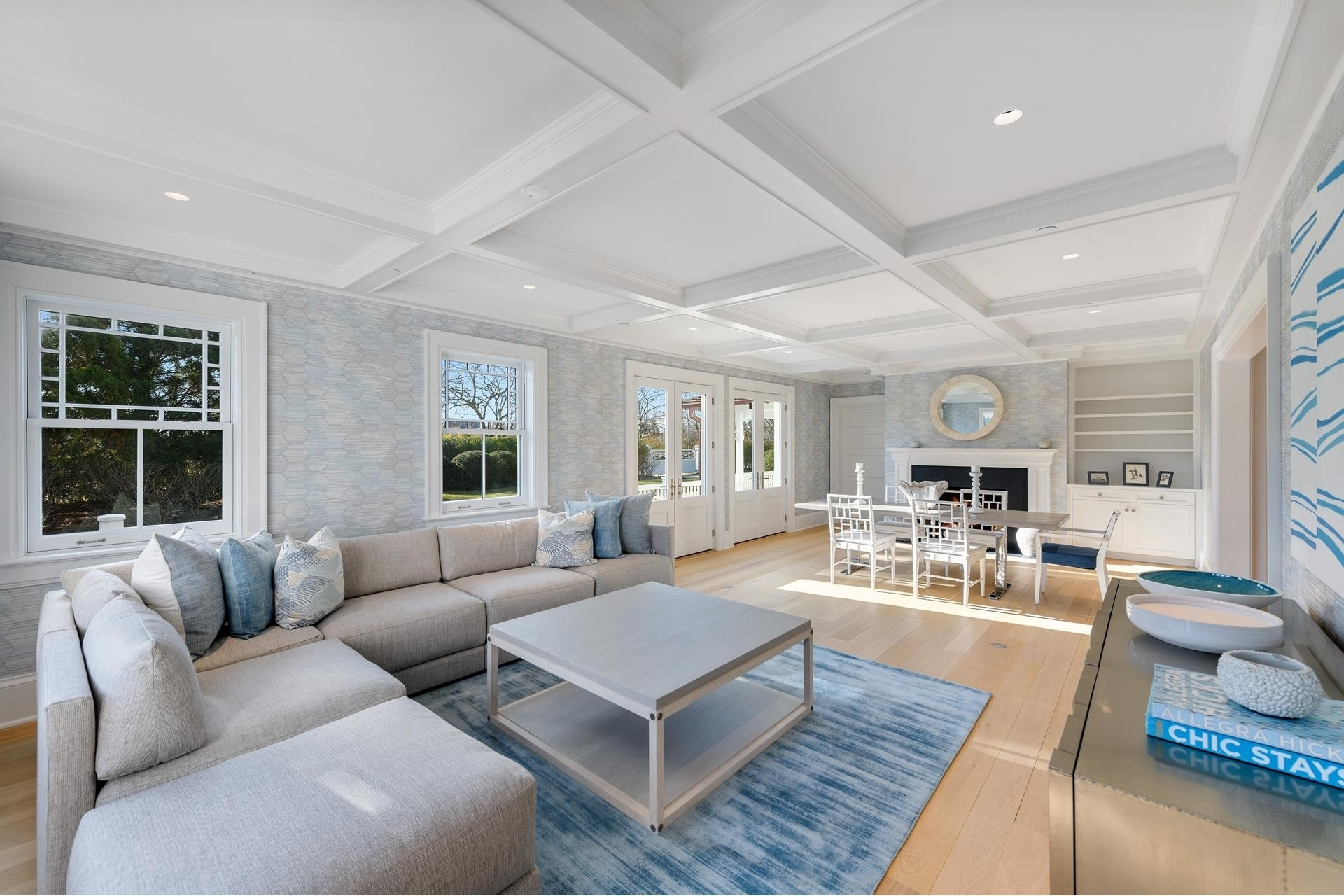 14. Single Family Homes for Sale at Southampton Village, Southampton, NY 11968