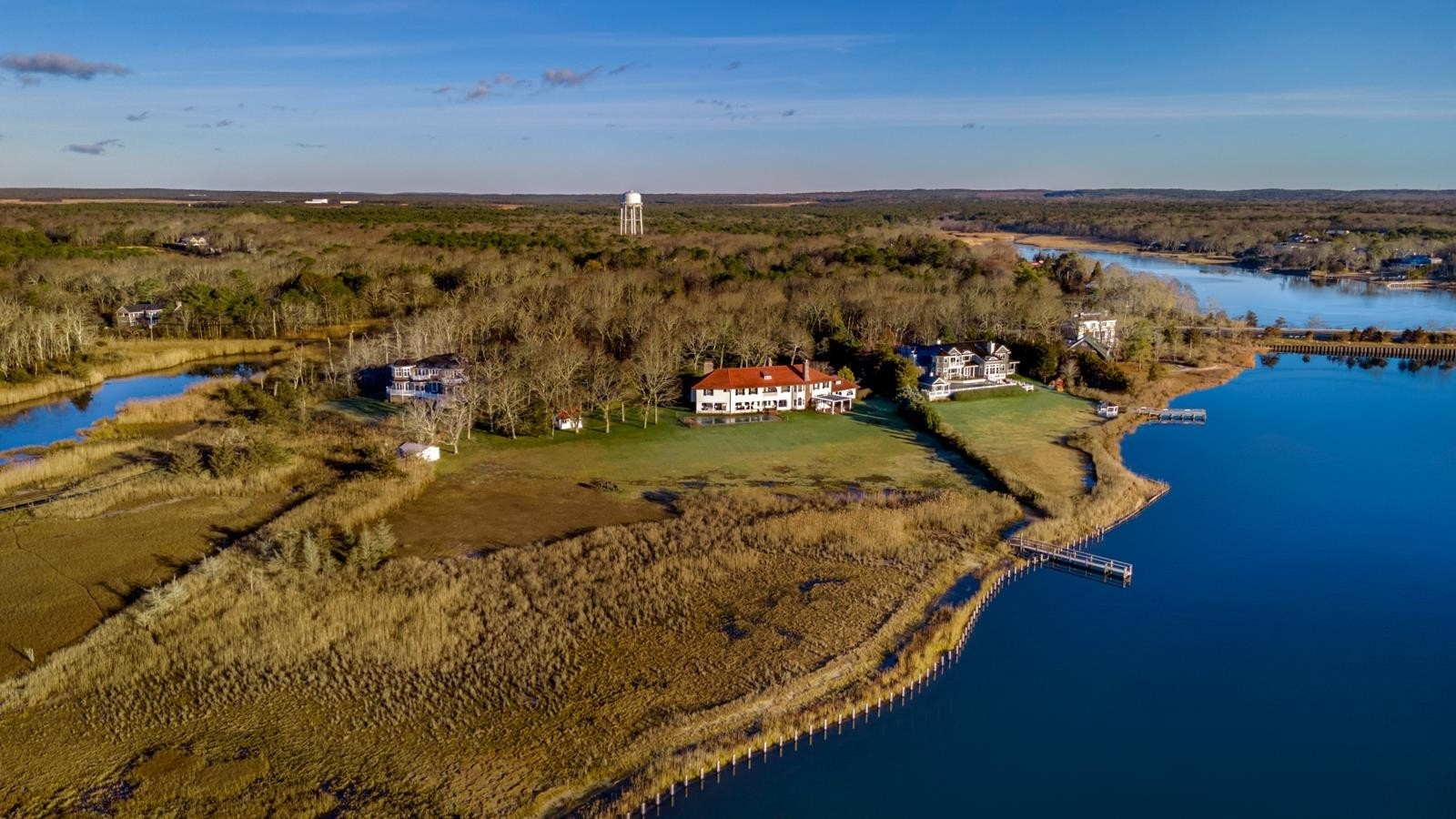 25. Single Family Homes pour l Vente à Westhampton Beach Village, NY 11978