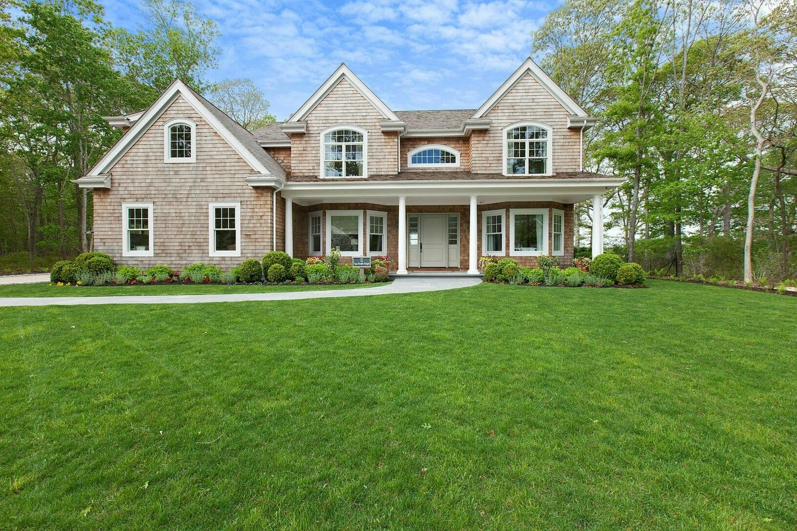 2. Single Family Homes por un Venta en Bridgehampton, NY 11932