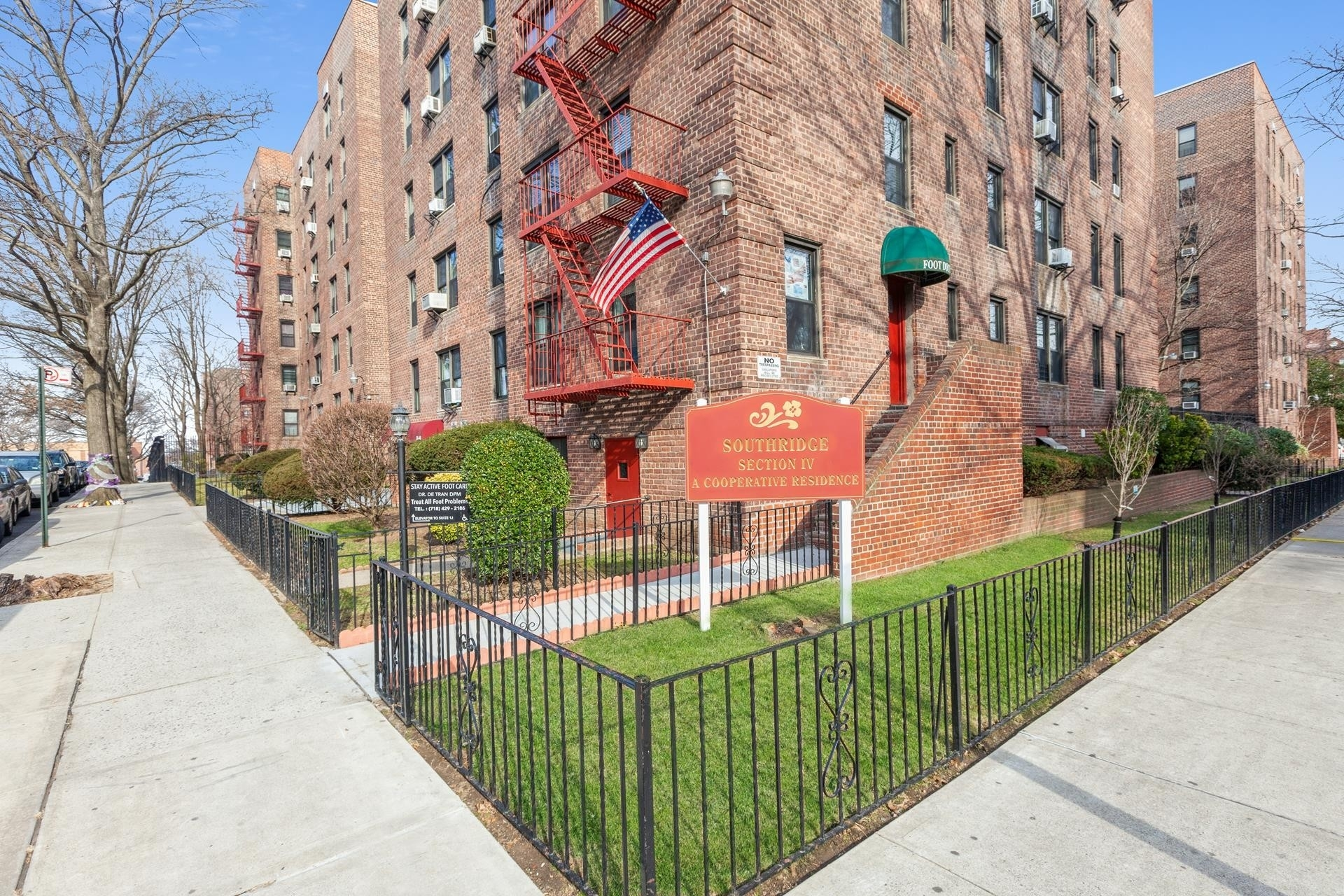 Property à 33-45 94th Street, 5E Jackson Heights, Queens, NY 11372