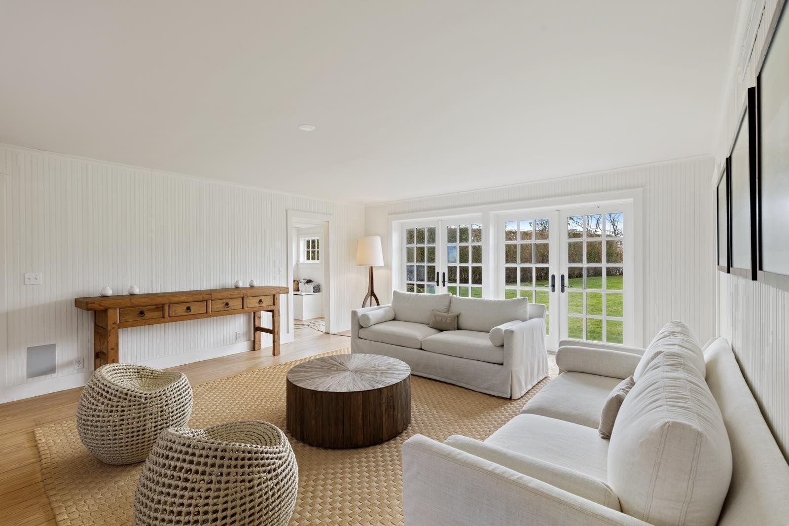3. Single Family Homes for Sale at Quogue Village, NY 11959