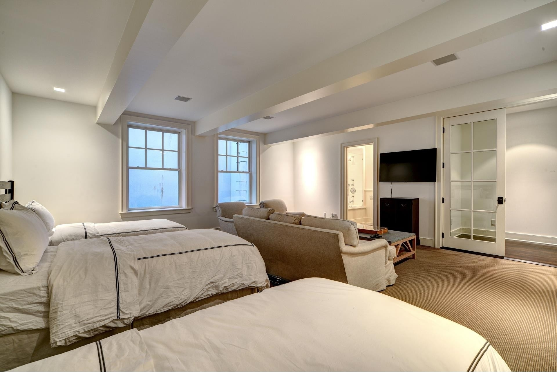 31. Single Family Homes for Sale at Sagaponack Village, NY 11963