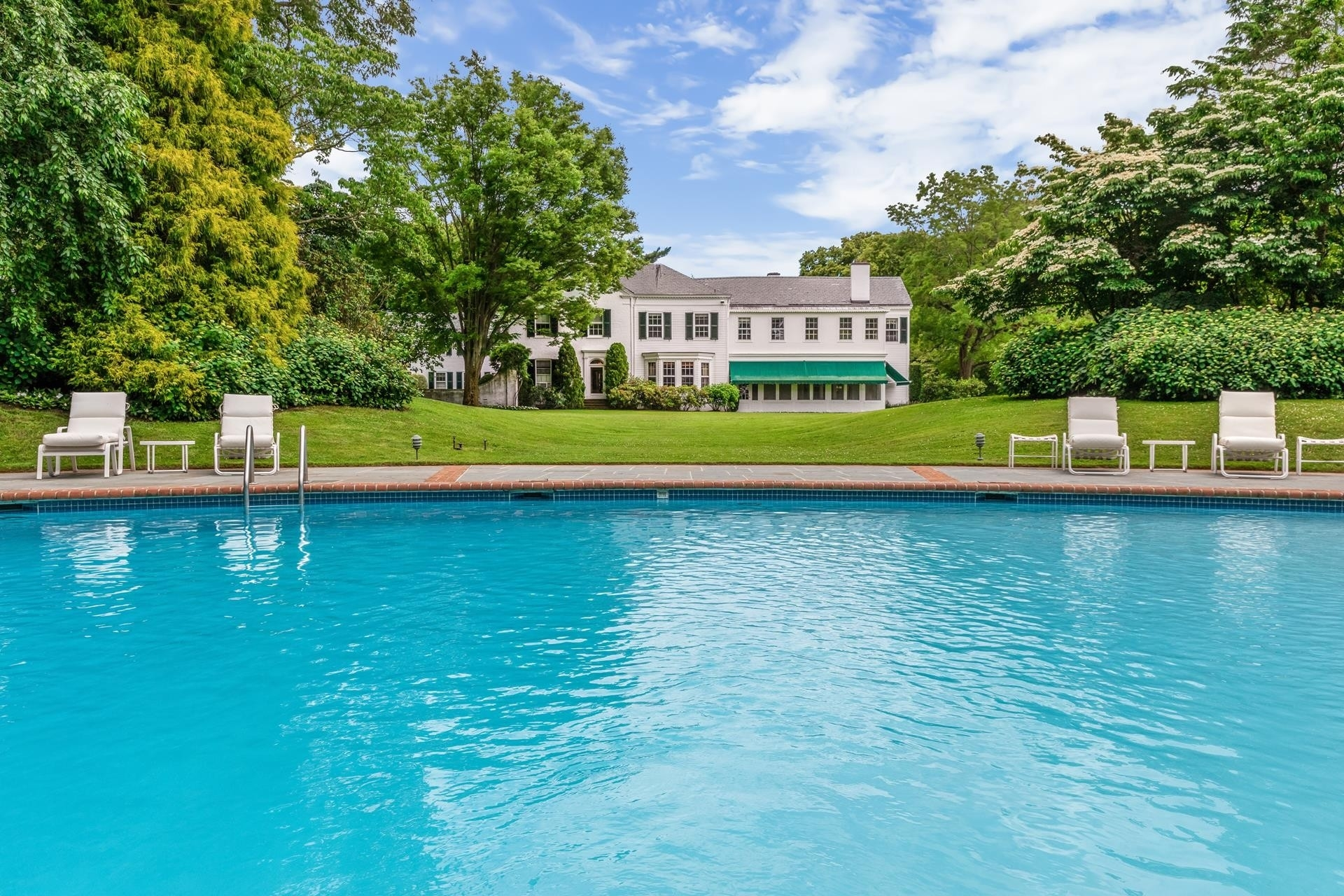 11. Single Family Homes for Sale at Lattingtown, Locust Valley, NY 11560