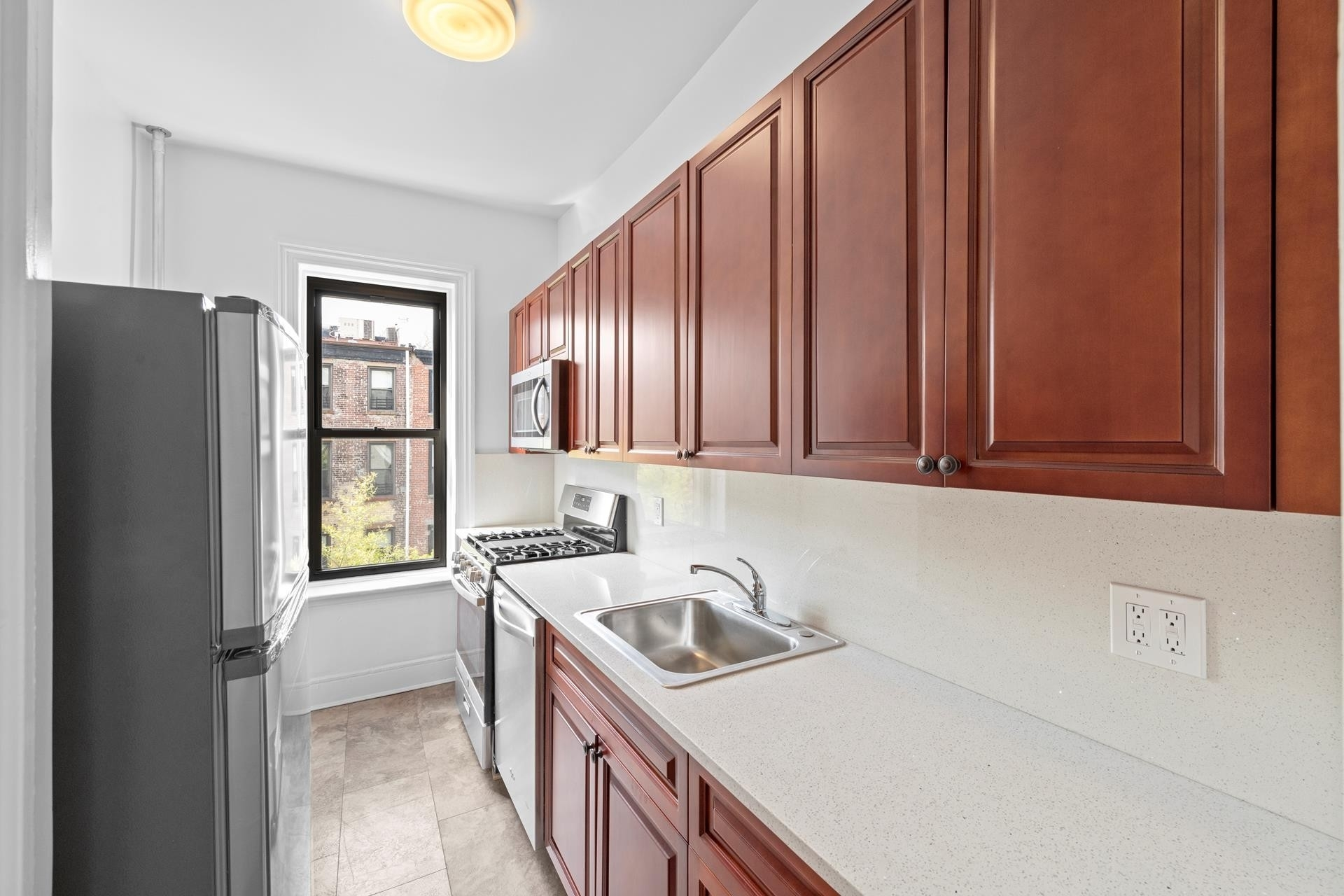 Rentals at 242 PRESIDENT ST , 3R Brooklyn