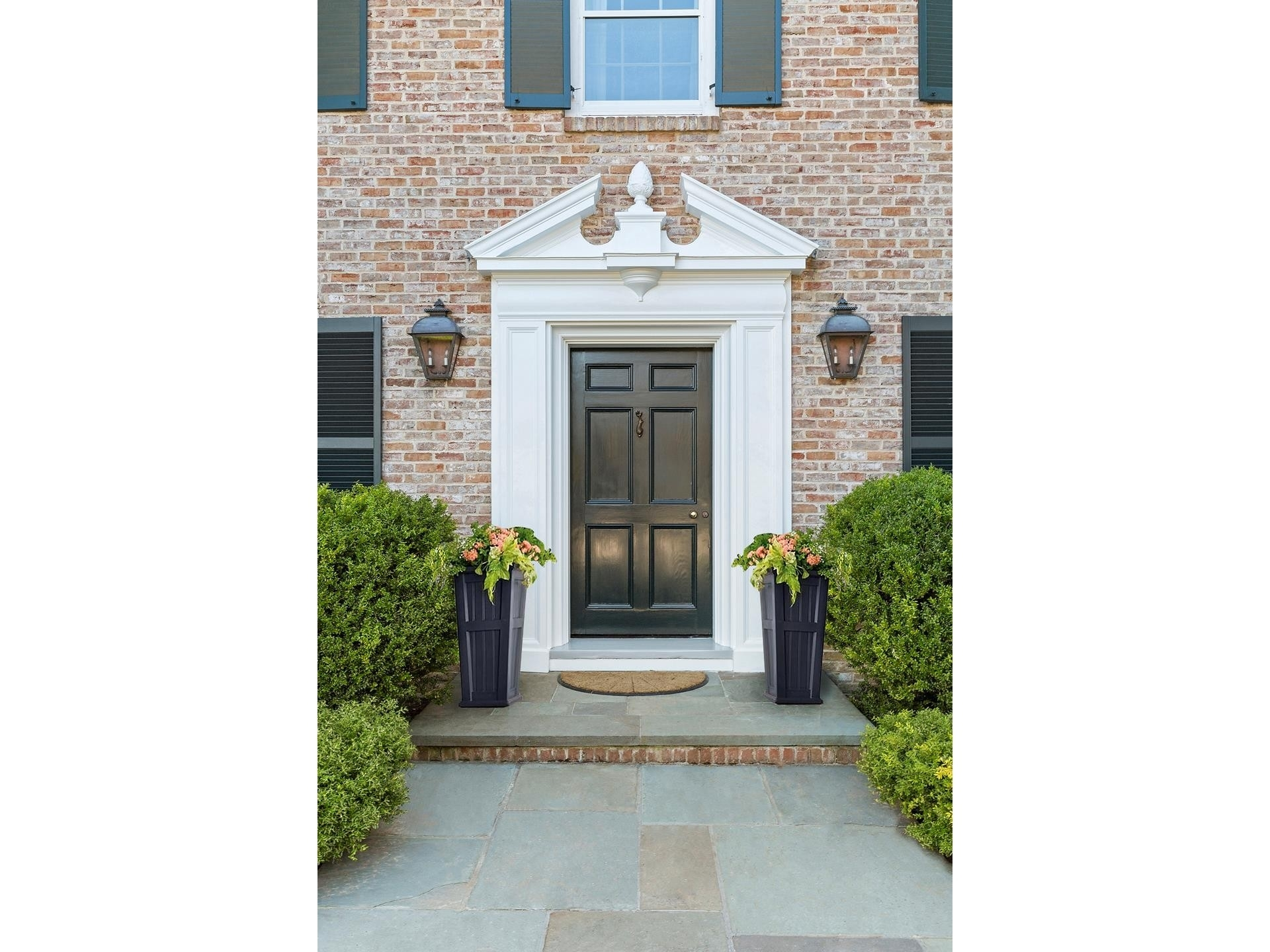 4. Single Family Homes for Sale at Southampton Village, Southampton, NY 11968