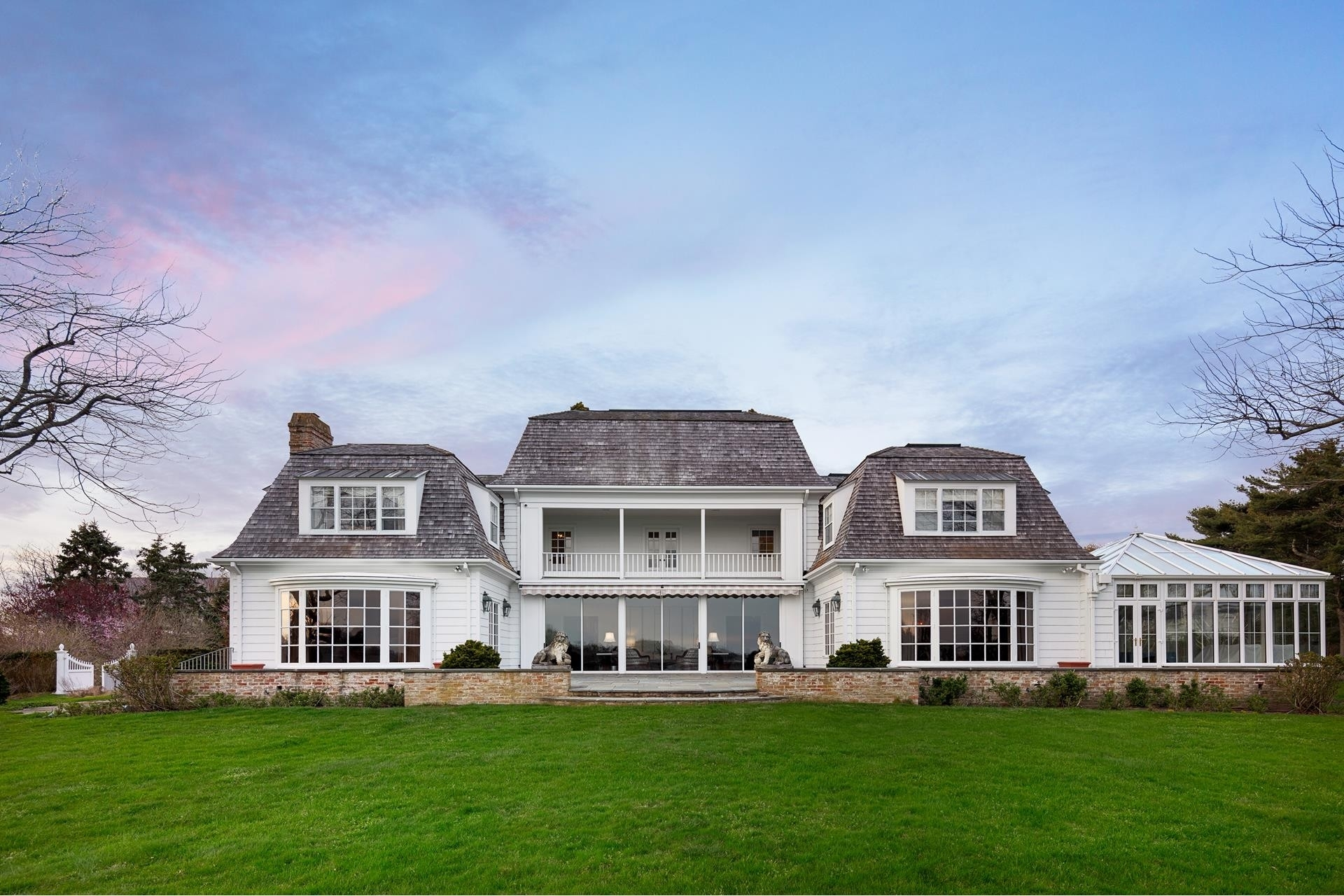 22. Single Family Homes for Sale at Southampton Village, Southampton, NY 11968