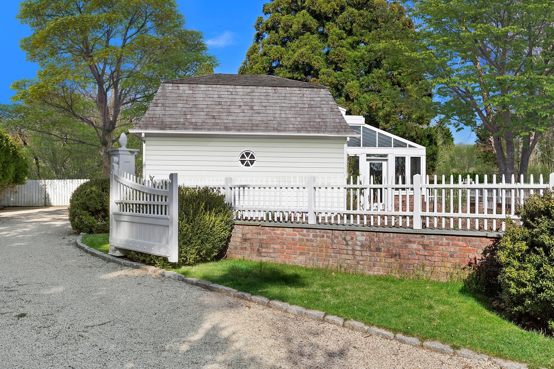 61. Single Family Homes for Sale at Southampton Village, Southampton, NY 11968