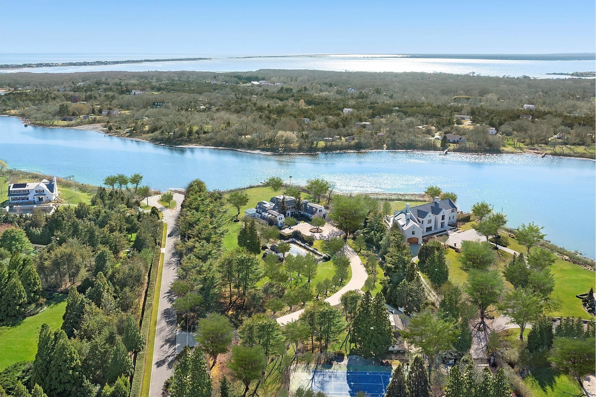63. Single Family Homes for Sale at Southampton Village, Southampton, NY 11968