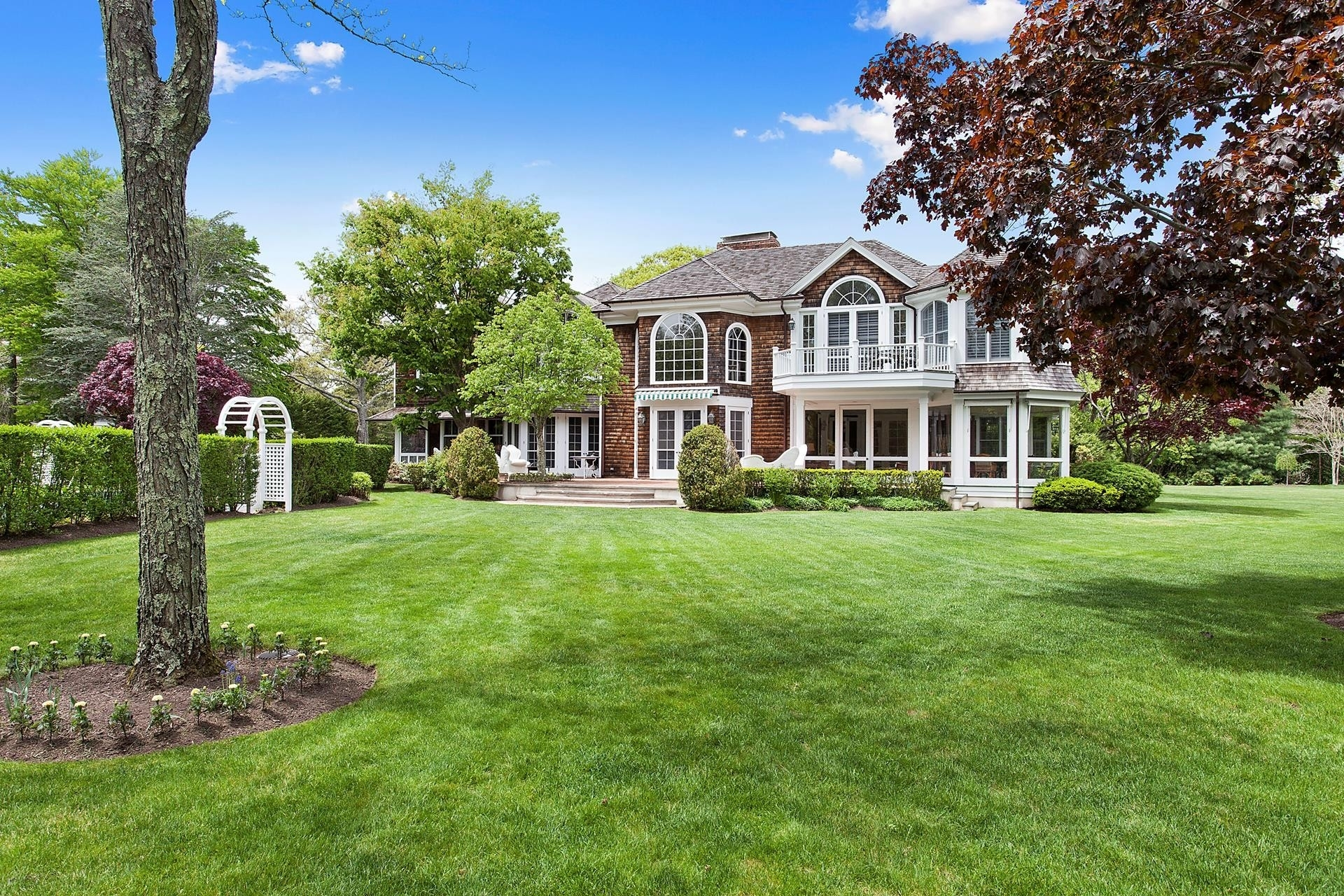 2. Single Family Homes for Sale at Quogue Village, NY 11959