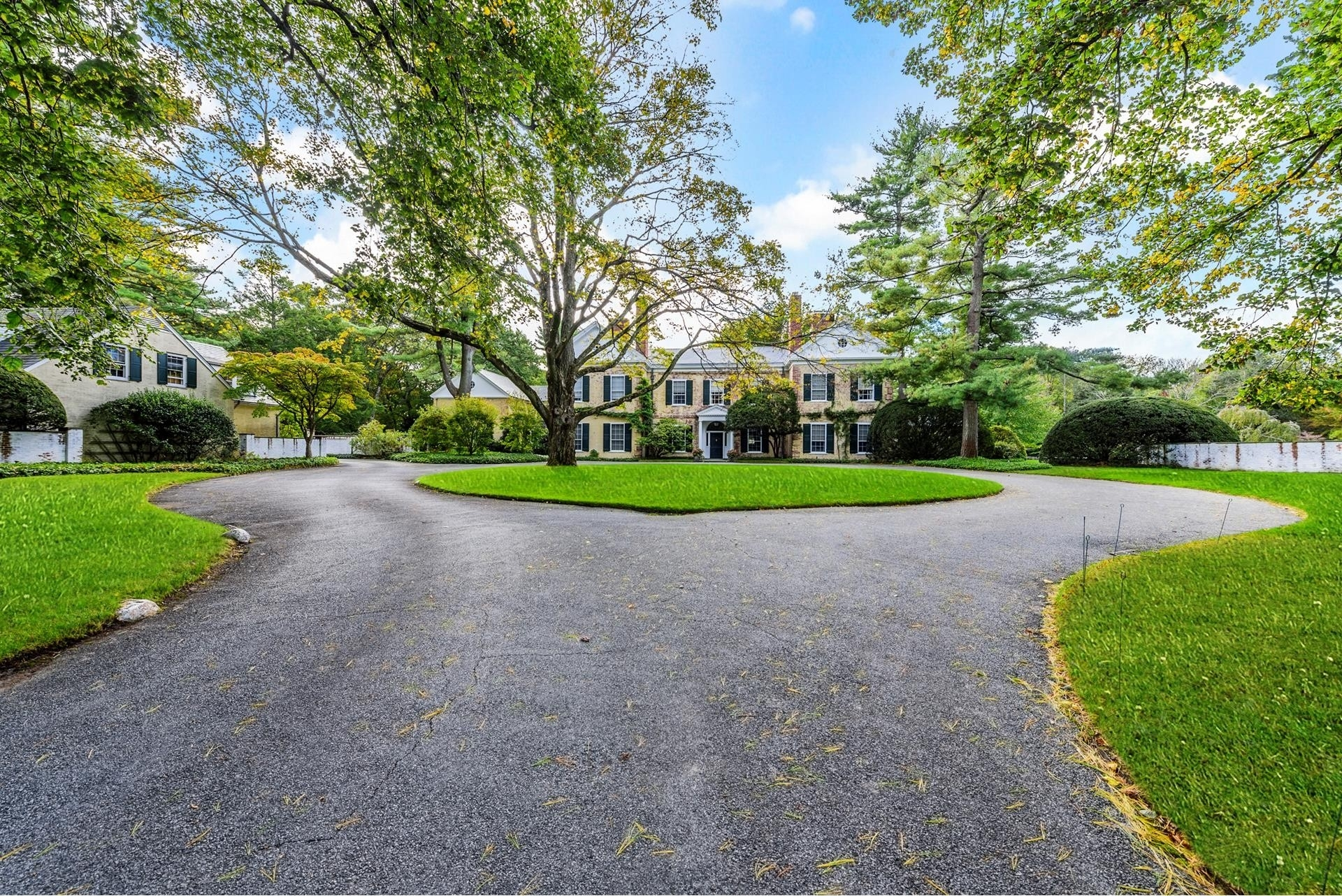 3. Single Family Homes pour l Vente à Oyster Bay Cove, NY 11771