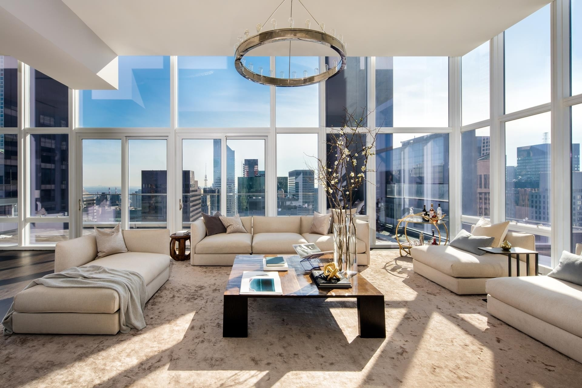 Condominium por un Venta en BACCARAT HOTEL & RESIDENCES, 20 West 53rd St, PH48/49 Midtown West, New York, NY 10019