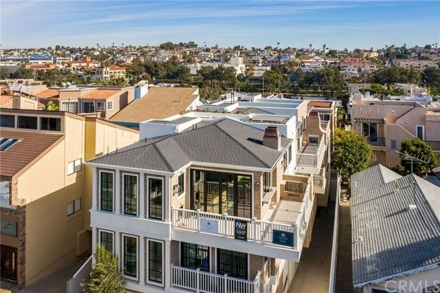 Single Family Townhouse for Sale at Hermosa Beach, CA 90254