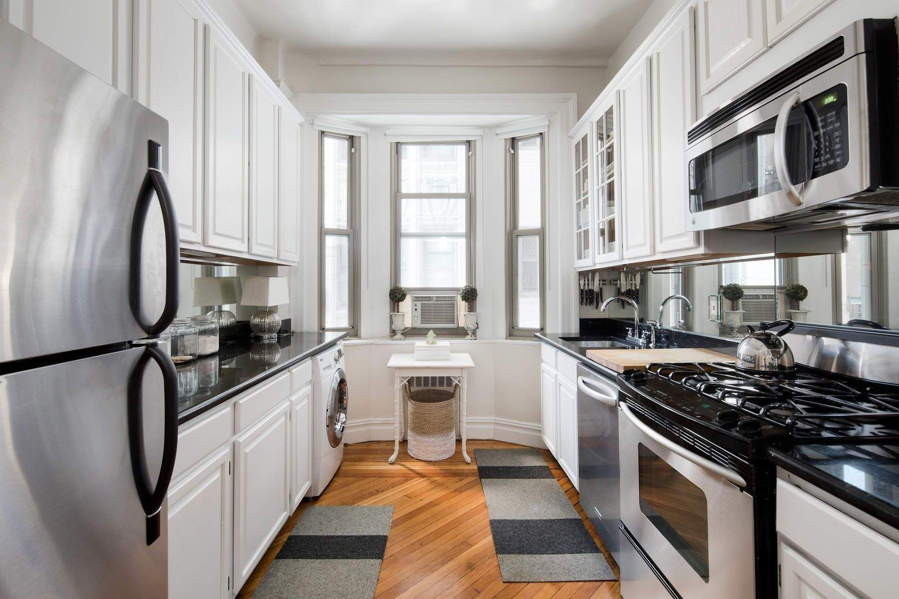 3. Condominiums for Sale at 36 Gramercy Park East, 7W Gramercy Park, New York, NY 10003